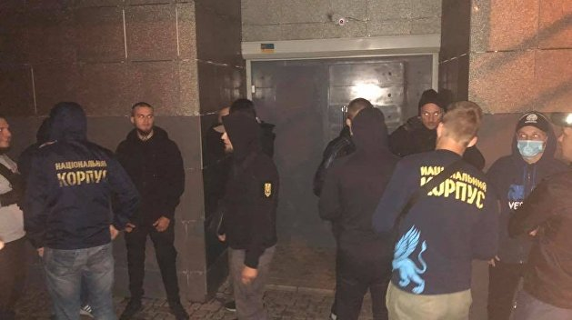 В Харькове неонацисты «Нацкорпуса» заставили владельца ночного клуба продать заведение