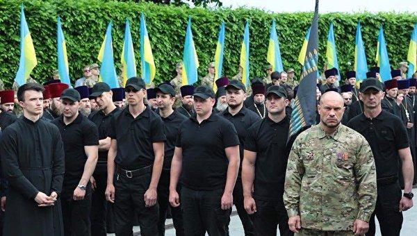 Новая стая. На Украине Аваков открыл второй призыв боевиков и националистов