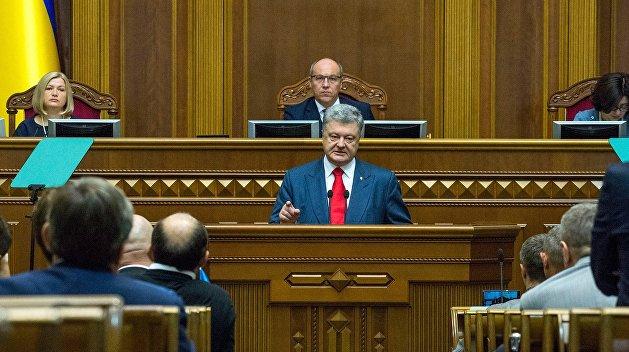 Закон об «агентах влияния России»: Порошенко под выборы зачищает Украину