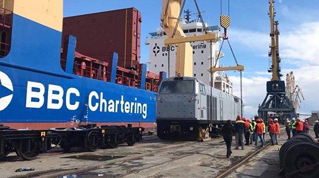 На Украину прибыла вторая партия локомотивов General Electric