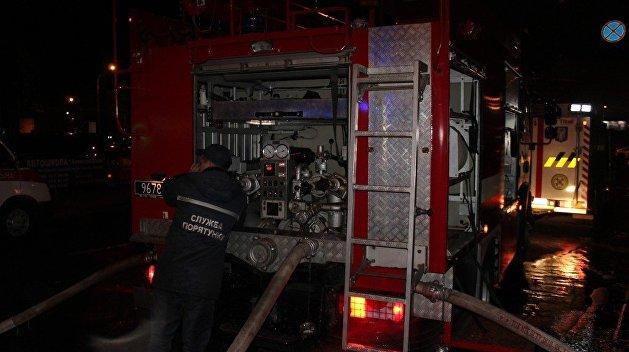В Сети появилось видео масштабного пожара на Минском рынке в Киеве