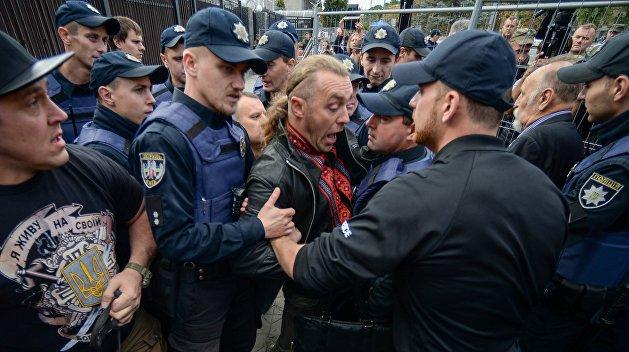 Россия вручила Украине ноту протеста в связи с нападением на торгпредство РФ в Киеве