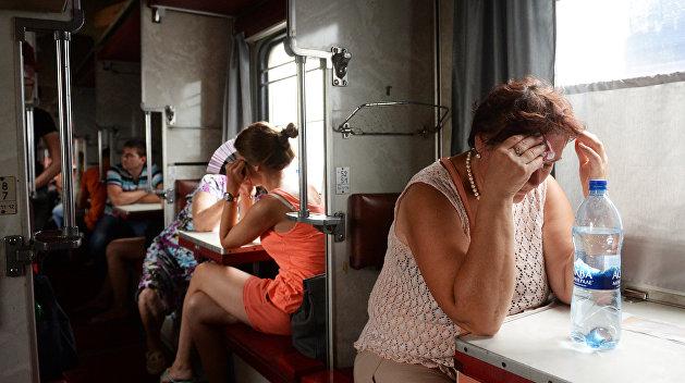 В украинских поездах ликвидируют занавески и перьевые подушки