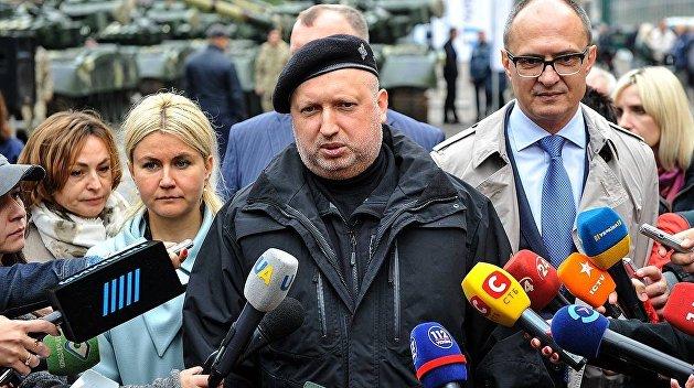 Турчинов: При военном положении не будет ни выборов, ни массовых протестов