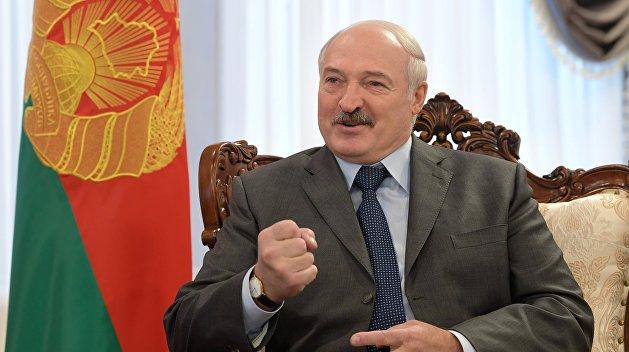 Лукашенко: Конфликт в Донбассе должны решить три славянских народа