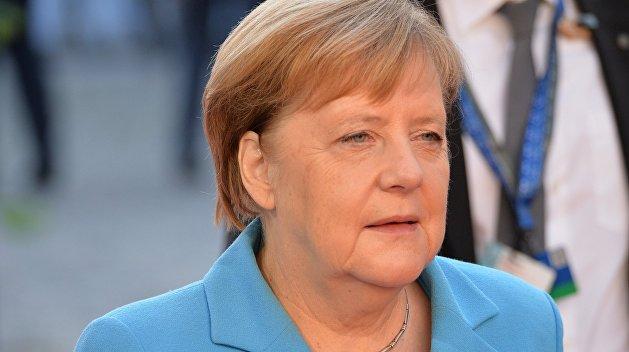Меркель призвала Украину к «умному подходу» по керченскому инциденту