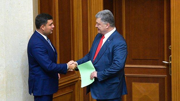 Корнейчук: «Сказочники» Порошенко и Гройсман грабят Украину, прикрываясь Европой