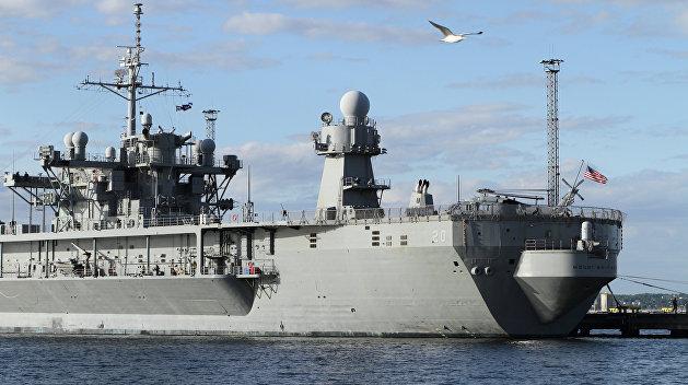 Порошенко ждет корабли НАТО в Черном море