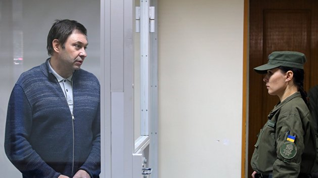 Дело Вышинского: Суд в Херсоне снова оставил журналиста под арестом