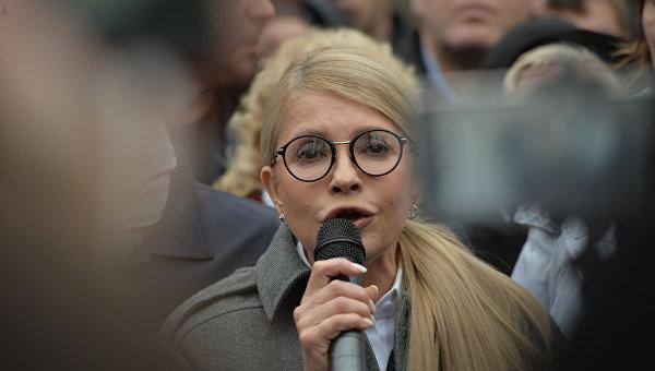 «Дайте нам жить!»: В Киеве митингуют против новых тарифов. ФОТОРЕПОРТАЖ