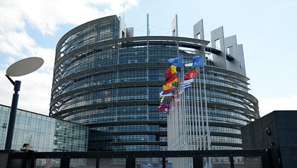 Главное — не утонуть. Украина искупала Европарламент в Азовском море
