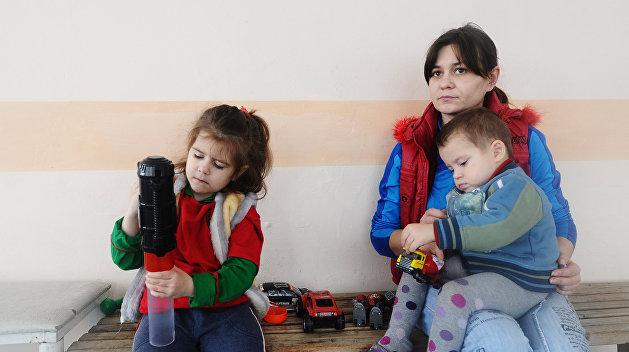 Переселенцев на Украине становится больше, но их проблемы не решаются