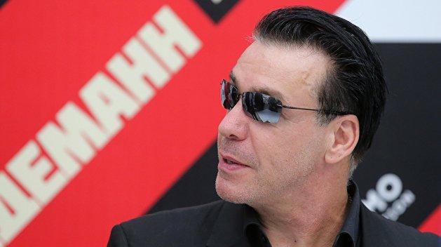 Лидер группы Rammstein забрал Лободу из больницы — видео