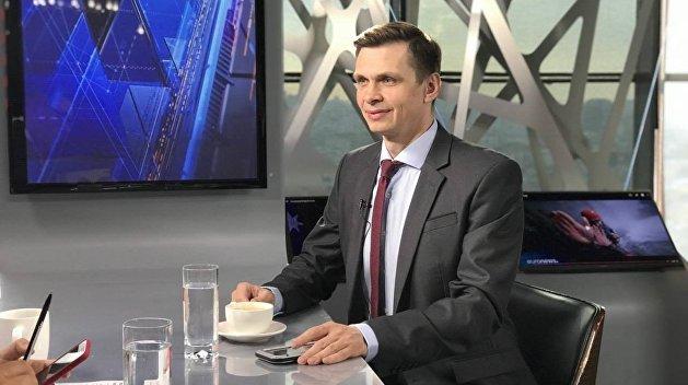 Политолог: В 2014 году Запад советовал Украине не воевать с Россией, а договариваться с ней