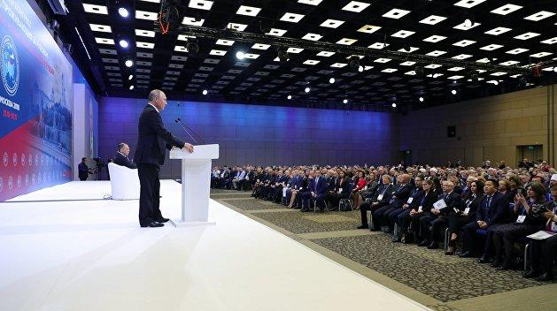 Путин: В последние месяцы все больше людей хотят вернуться в Россию