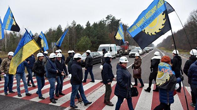 Дороги, закрытие школ, земля, власть — причины споров в украинских территориальных общинах