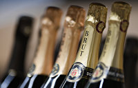 Карасёв: У Порошенко и Зеленского появился повод выпить шампанского