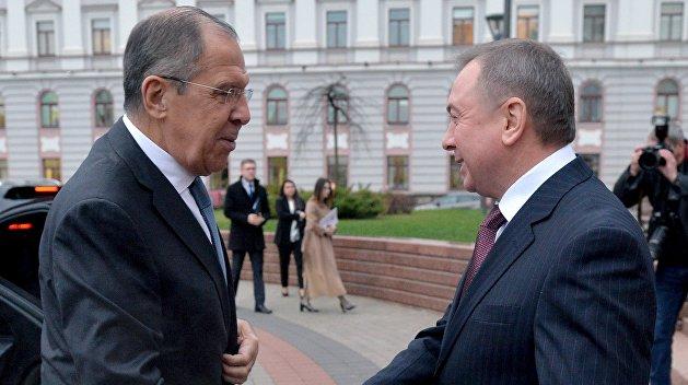 Макей: Белоруссия должна объединиться с Россией против фальсификации истории