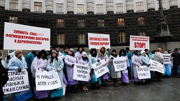 Глузман: Отказом от реформы здравоохранения Порошенко дает шансы на победу конкурентам