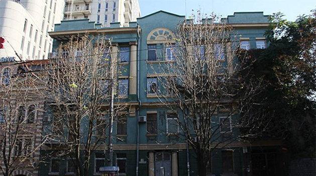 Тайна 13-го дома на Фабра: Под зданием находятся подземная река и катакомбы — VGORODE.UA