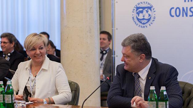 Лондонские схроны: окружение Порошенко готовится бежать с Украины