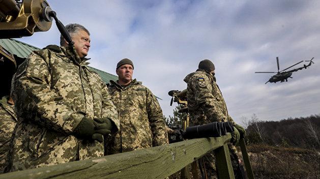 Порошенко срочно созвал военный кабинет из-за происходящего в Керченском проливе