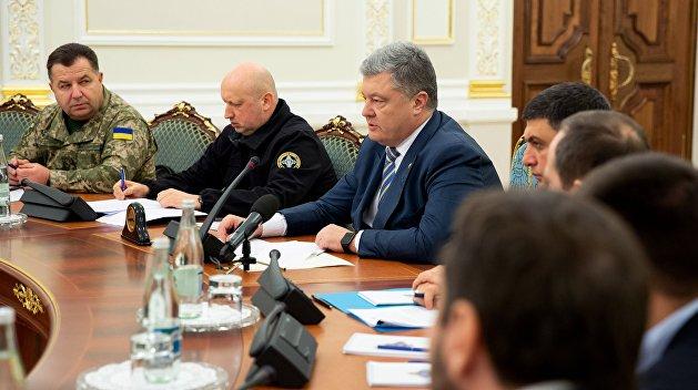 Полный текст указа Порошенко о введении военного положения