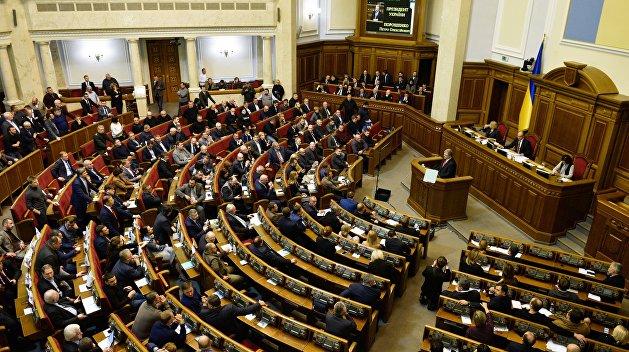 Несмотря на потасовку, Рада приняла закон о переименовании УПЦ