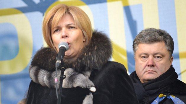 Порошенко отправил в отставку Богомолец