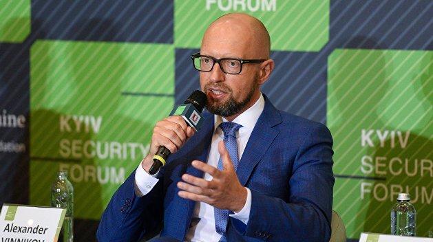 Эксперт рассказал, в чем заключается зависимость Порошенко от Яценюка