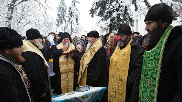 Глава Винницкой области грозит отключить свет и тепло епархиям УПЦ