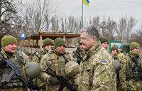 Донбасский вояж Порошенко: Пока президент бряцает оружием, в Раде издеваются над церковью