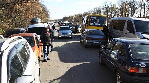 В Донбассе на КПВВ «Еленовка» подорвался автомобиль, есть жертвы