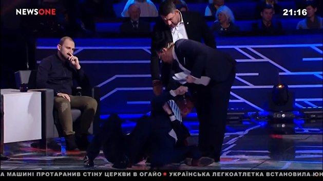 Не умом, так мордобоем. Почему украинские парламентарии так любят драки
