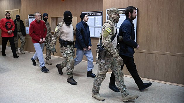 Захарова: Украина отказалась от задержанных моряков