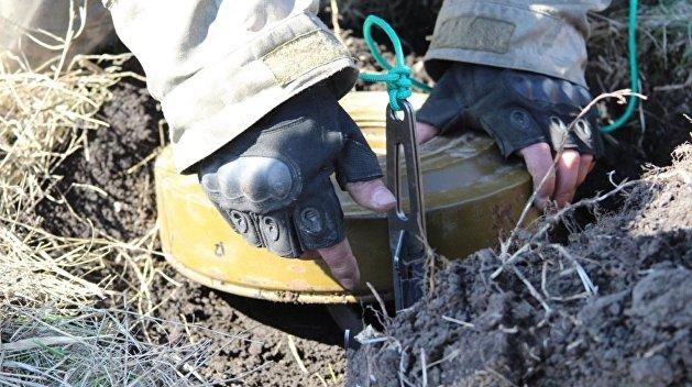 Ряженые украинские военные минируют территорию близ Счастья - ЛНР