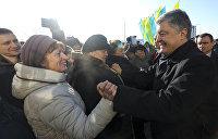 Совпадение? Не думаю: за неделю до выборов Порошенко анонсировал доплаты пенсионерам
