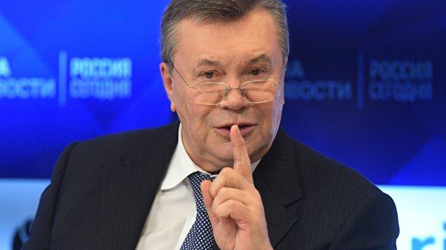 Ищенко описал, как окружение Януковича тешит его надеждами и зарабатывает деньги