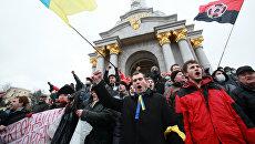 Майдановцы пришли к власти на штыках радикалов, а теперь им неуютно на них сидеть — экс-глава МВД