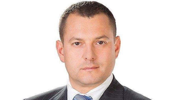 Депутат от БПП оформил вертолетную площадку Януковича на свою мать
