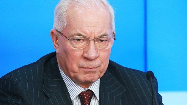 «Зарплаты выплачивали гробами, навозом и кастрюлями»: экс-премьер Украины заявил об обвале экономики страны