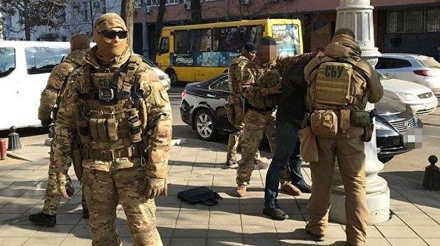 СБУ в маске МВД. На украинских выборах началась война спецслужб