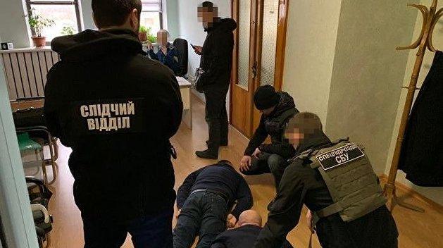Спецназ СБУ взял штурмом сетевой бордель в Харькове - видео