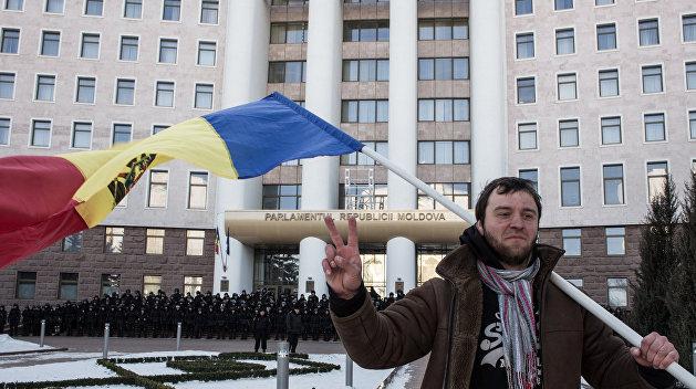 Нормальные герои всегда идут в обход. Как Украина и Румыния превратили Молдавию в сухопутную державу