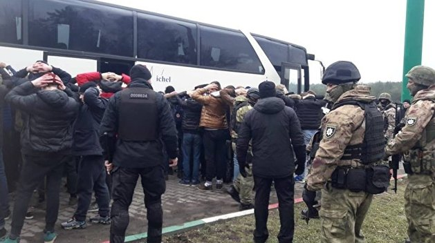 Аваков «проснулся». Под Одессой полиция не дала радикалам установить свою «Традицию и порядок»