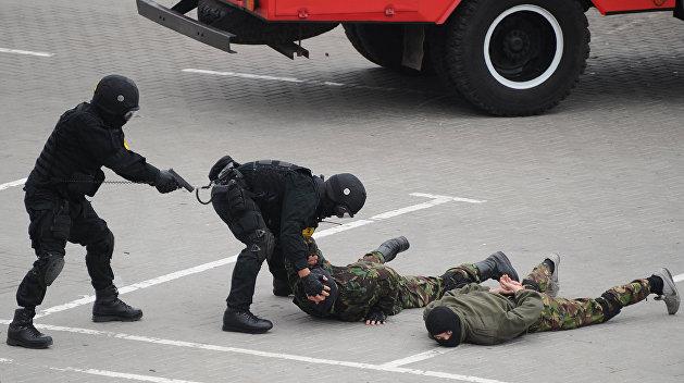 На венгерско-украинской границе задержаны 16 таможенников
