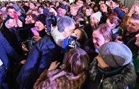 Неадекватный Порошенко. Что происходит с президентом Украины и как на это реагирует народ