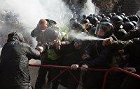 Экс-министр МВД Украины Захарченко: Коломойский воюет с Порошенко руками Авакова