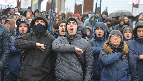 Столкновения «Нацкорпуса» и полиции: спектакль, где оговорен лимит насилия и агрессии