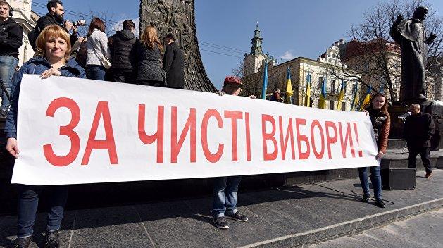 В Житомирской области голосовали заранее, чтобы успеть на электричку